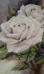 Картина в рамке Чайные розы вышитая бисером