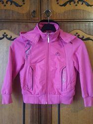 Ярко розовая кофточка, курточка, ветровка на молнии ч капюшоном. На 4-10 лет