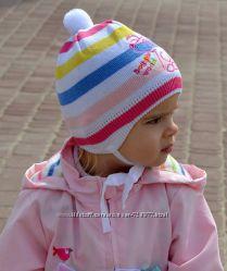 Тонкая шапочка девочке новая