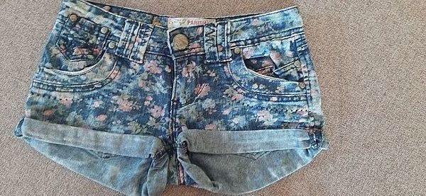 Шорты джинсовые в цветочек Длина 20 см ПОТ 35 см шаг 4 см