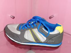 33 - 36 Модные немецкие кроссовки  C&A