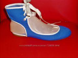 38 Эксклюзивные балетки на шнуровке Zara