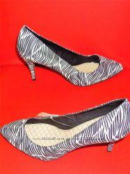 36 37 40 Любимые туфли Bershka с модным принтом