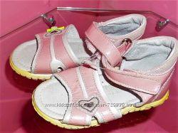 20 - 24 Кожаные сандалии  C&A