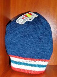Тепленькая шапка C&A два цвета