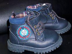 21 Модные ботинки Томас от Mothercare