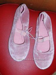 34  Розовые бархатные балетки H&M