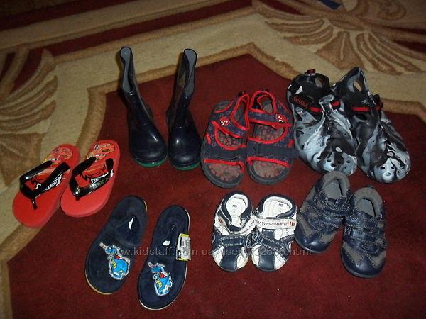 обувь для малчика  рнзиновые сапоги   Mothercare