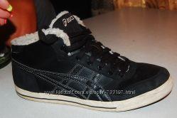 asics утеплённые кроссовки 42 размер