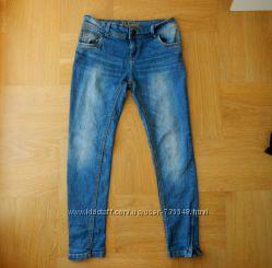 134-140 см Denim отличнейшие джинсы скини. Длина - 79 см, шаговый - 60 см,