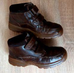 Кожаные деми ботинки Clarks, 29 размер 11 F, Камбоджия.