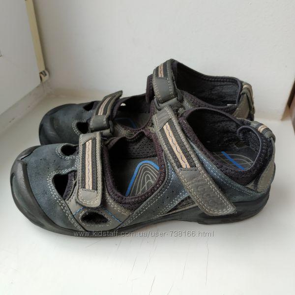 Закрытые босоножки сандалии Ecco 34-35р. 22. 5 см.