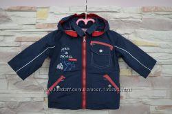 Куртка ветровка на 6-8 месяцев в подарок штаны и шапочка