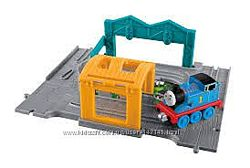 FISHER PRICE паровозики Thomas and Friends серии Take-n-Play
