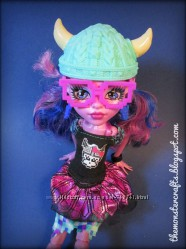 Монстер хай Monster High Kjersti Trollson Brand-Boo Students