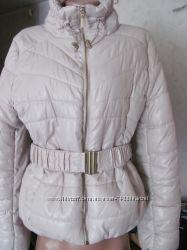 H&M. Отличная светлая демисезонная курточка. Бежевая