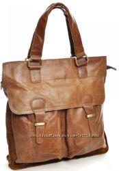 Модная сумка из натуральной кожи.