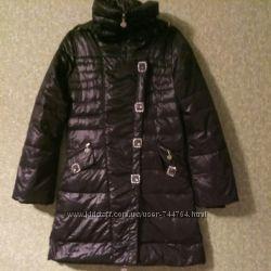 курточка пуховик с красивыми камнями 44-46-48