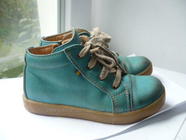 Демисезонные кожаные ботинки Kavat 29