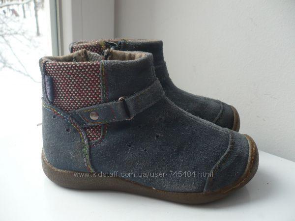Демисезонные замшевые  ботинки Keen 28 р.