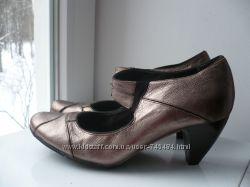 Кожаные туфли Clarks  37 разм ,
