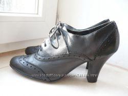 Кожаные туфли New Look 39 разм