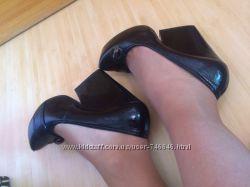 Туфли женские на каблуке-танкетке