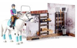 Игровой набор Bruder конюшня с жокеем, лошадью и инструментами 62506