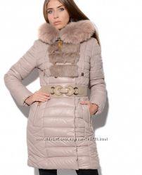 Зимняя куртка бежевого цвета, мех песец, кролик
