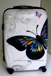 Большой качественный чемодан из поликарбоната