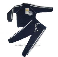 Спортивный костюм для мальчика. Остался р. 92. Цена снижена. Забирайте