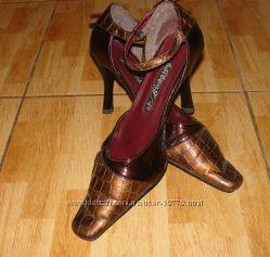 Отдам для девушки туфли