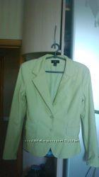 Нежно-салатовый пиджак H&M   р. 10