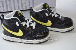 Кожаные кроссовки Nike Оригинал р. 22 по стельке 14 см