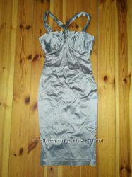 Праздничное коктейльное очень красивое платье для стройных девушек