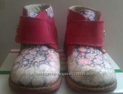 Ботинки дkя девочки Woopy