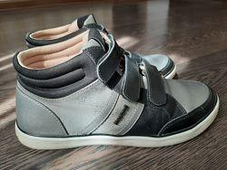 Ботинки- кроссовки Маyoral 36 р