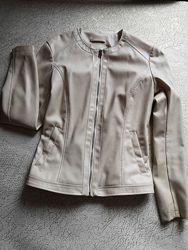 Стильная куртка молочного цвета на замке Ostin