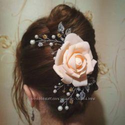 Гребешек с розой в прическу невесты