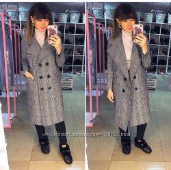 Стильне та тепле зимове пальто Клітинка в моді