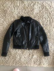 Кожаная куртка M S