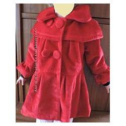 Красное ворсовое пальто
