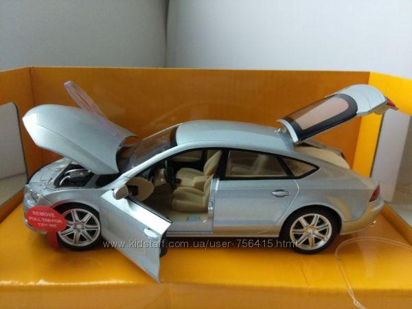 Машинки модельки Audi Ауди А7 и Audi R8 LMS металл  свет, звук, все откр