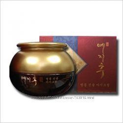 YEZIHU Red Ginseng Cream крем для лица с экстрактом красного женьшеня