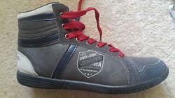 Высокие кроссовки для мальчика
