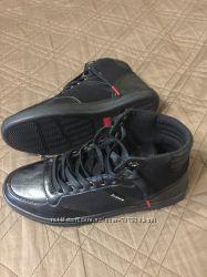 Фірмові кросівки Levis  41р США