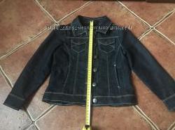 Шикарный брендовый джинсовый пиджак Okaidi для девочки 4-5л. сост. нового