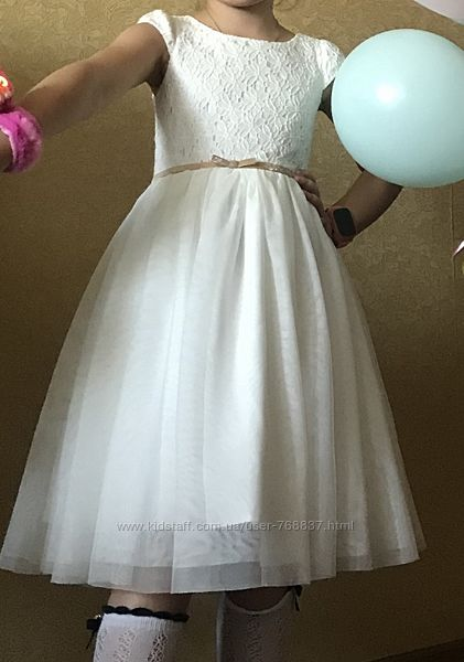 Продам шикарное нарядное платье 110/116