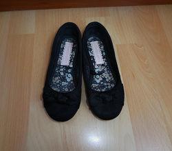 Красивые туфли балетки George