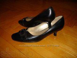 Туфли черные классика новые на узкую ножку 36 размер